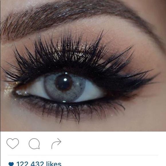 133794c1523 Huda beauty lashes in Scarlett. NWT. huda beauty.  M_5b8ce7495098a053c18f3fff. M_5b8ce75b1070ee064aa787cd.  M_5b8ce75cd365be5d629eaad6